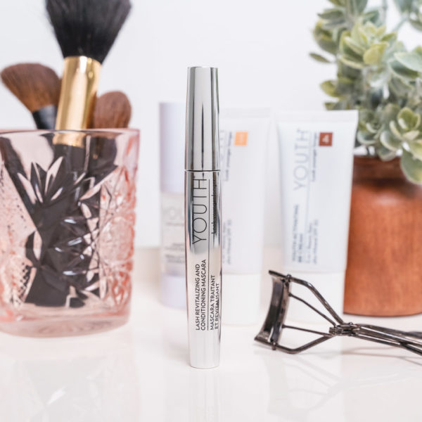Mascara with BB Cream and Make Up Tools