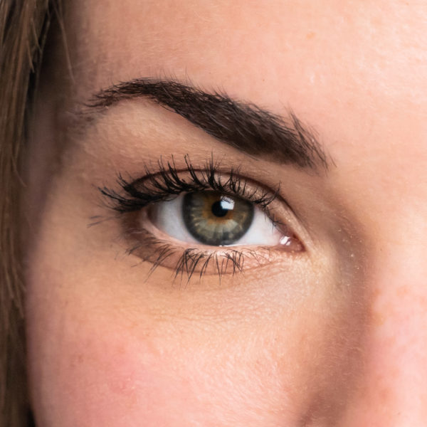 Mascara View: Close Eye