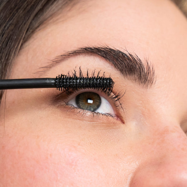 Mascara Application: Close Eye